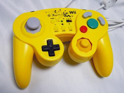 ピカチュウデザインのGCコントローラ