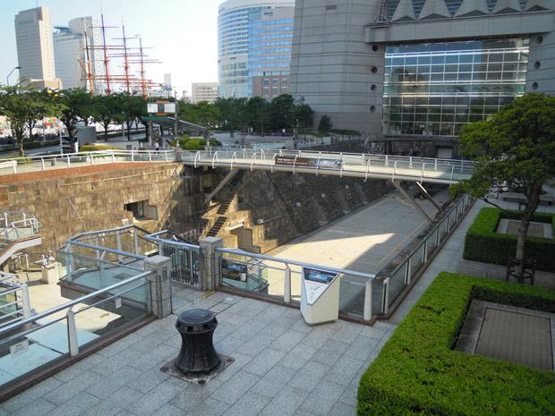 横浜ランドマークタワー ドックヤードガーデン