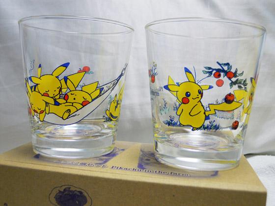 グラス2個セット Pikachu in the farm