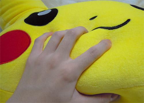 もちもちフェイスクッション Pikachu