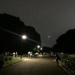 ポケモンGOにより深夜の公園がお祭り騒ぎにwwwwww
